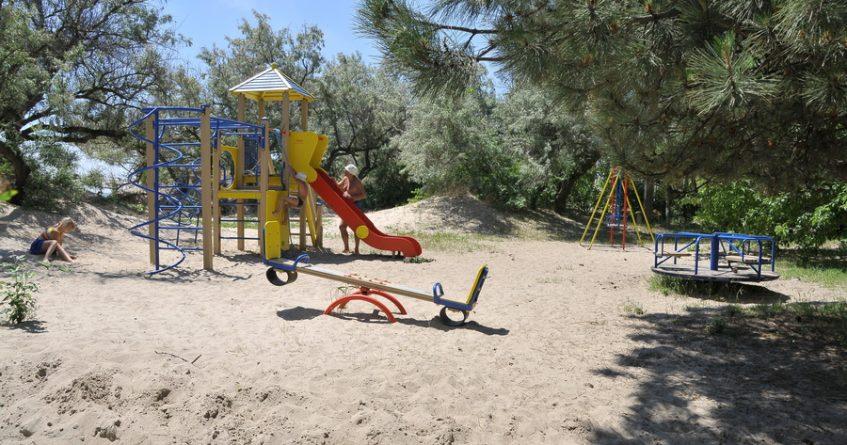Нефтехимик Украины - детская площадка