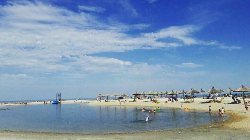 бердянск пляж солома
